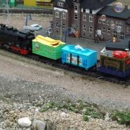 TTT: Toy Train Trio aus Dinosaurier-, Aquarium- und Pustefix-Wagen, Quelle: Holger Gatz