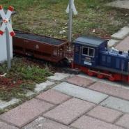 Beim Kreuzen des Grubenzugs mussten die Besucher am Bahnübergang stehenbleiben, Quelle: Holger Gatz